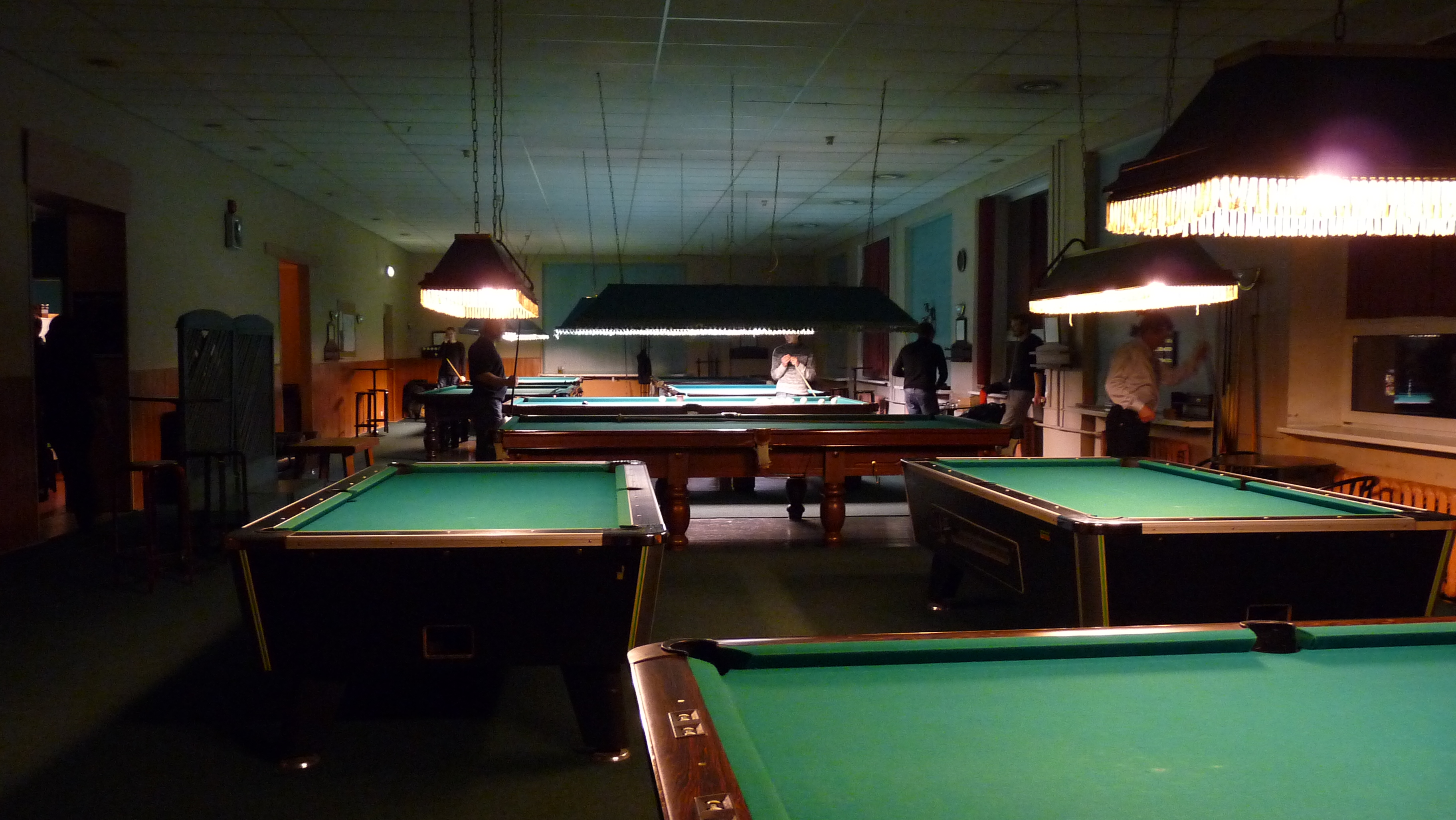 ../_images/Billiard_hall.JPG